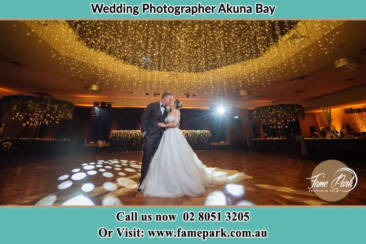 Photo of the Groom and the Bride kissing on the dance floor Akuna Bay NSW 2084